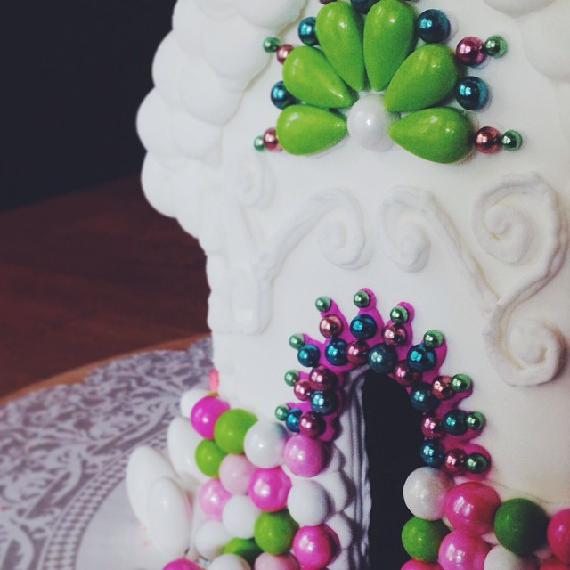 Gingerbread doorways #artisan #dessert #foodie #foodporn #christmas #handmade #edibleart #gingerbreadhouse #igers #instagood #la #losangeles #noeycakes #fbf #pretty #sweettooth #vsco #vscocam #vscophile #bestofvsco #candy