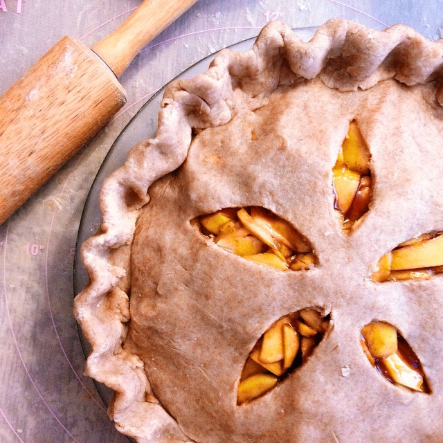 Pre-embellishment …. #artisan #fall #dessert #foodporn #handmade #igers #la #laeats #dtla #nom #noeycakes #pie #pies #pastries #pastrychef #sweettooth #thanksgiving #vsco #vscophile #vscocam #bestofvsco (at NoeyCakes HQ)