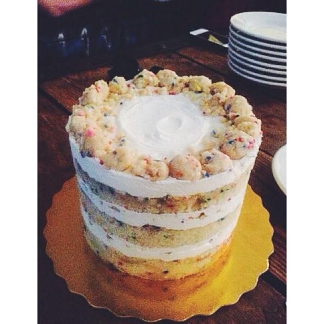 We baked up a #momofukumilkbar Birthday Layer cake for @alexpdavis 🎂 #artisan #birthday #cake #dessert #foodporn #handmade #igers #laeats #losangeles #pretty #vsco #vscocam #vscophile #latergram (at West 4th/Jane)