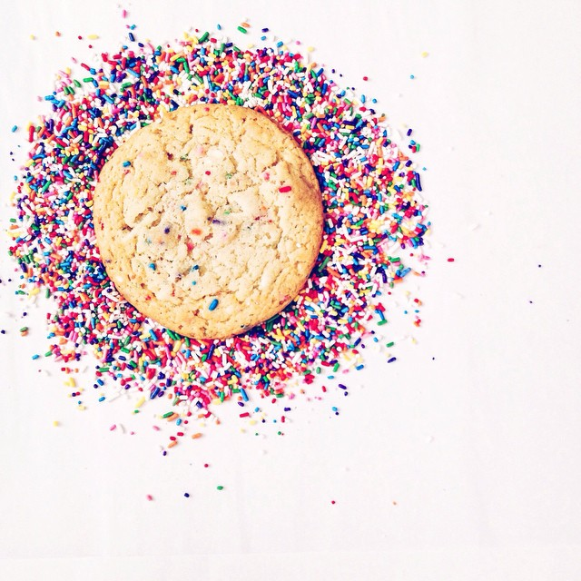 We baked a special batch of @momomilkbar's confetti cookies for this week's movie night!!  #artisan #cookies #dessert #dessertporn #foodporn #iphoneonly #igers #la #nom #vsco #vscocam #bestofvsco #vscophile #momofukumilkbar (at NoeyCakes HQ)