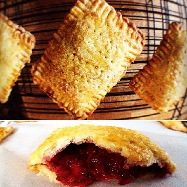 What?!!! It's Strawberry Rhubarb Pie Day?!!!!! Ok. You got it :) #artisan #dessert #dessertporn #foodie #foodporn #handmade #iphoneonly #igers #igers_la #instagood #la #laeats #losangeles #nom #noeycakes #pie #poptarts #sweettooth #strawberry #santamonica #yum