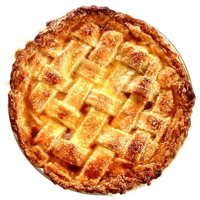 What were we up to over Memorial Day weekend??? We hope you love pie! @smfms #smfm #artisan #dessert #dessertporn #foodie #foodporn #handmade #iphoneonly #instagood #la #laeats #losangeles #igers #nom #noeycakes #peach #pie #pies #pastries #santamonica #yum