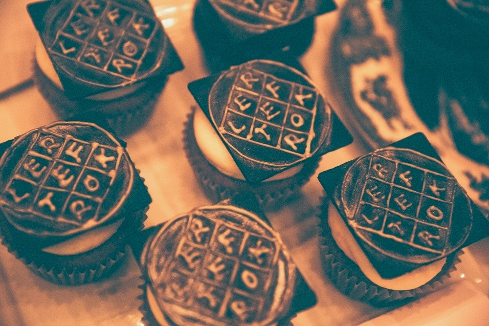 """Arcade Fire cupcakes made for the""""Reflektor"""" album release party at Capitol Records"""