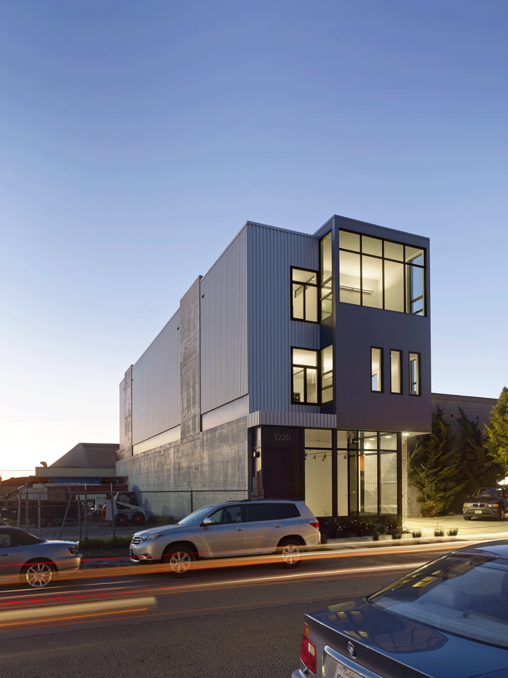 Architect: Ware Associates Structural Design: Ware Associates Contractor / Owner: Michael Dennison Photography: Cesar Rubio