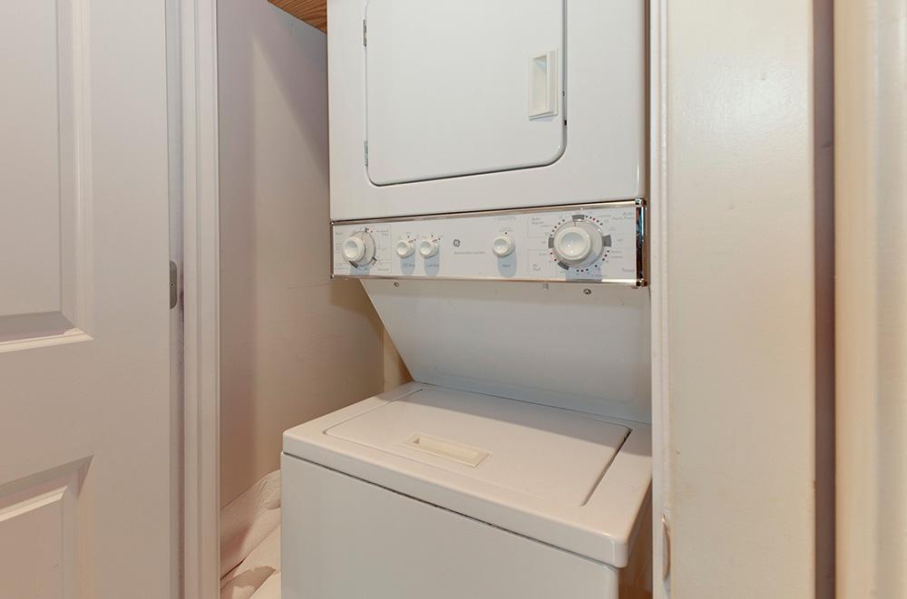 916 G St NW Unit 202 Northwest-print-020-Laundry-3982x2633-300dpi.jpg