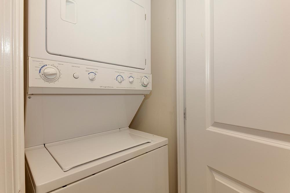555 Massachusetts Ave NW-print-022-9-Laundry-4200x2800-300dpi.jpg