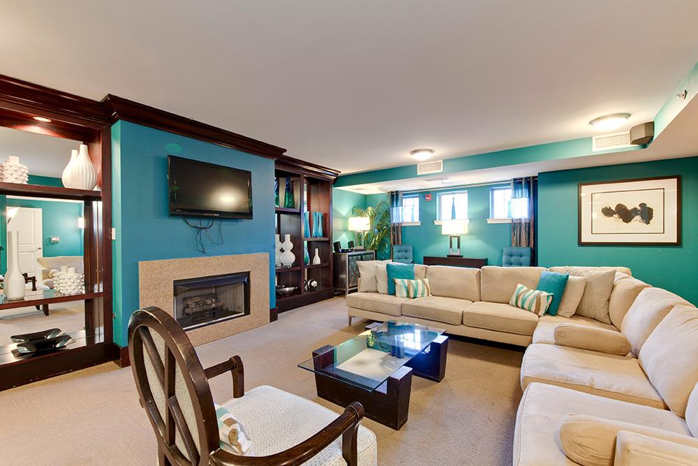 555 Massachusetts Ave NW-print-027-18-Lounge-4200x2800-300dpi.jpg