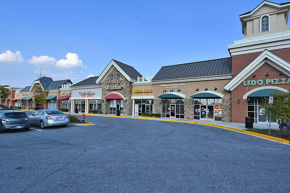 Print_Amenity-Villages Of Urbana Shopping Center_2.jpg