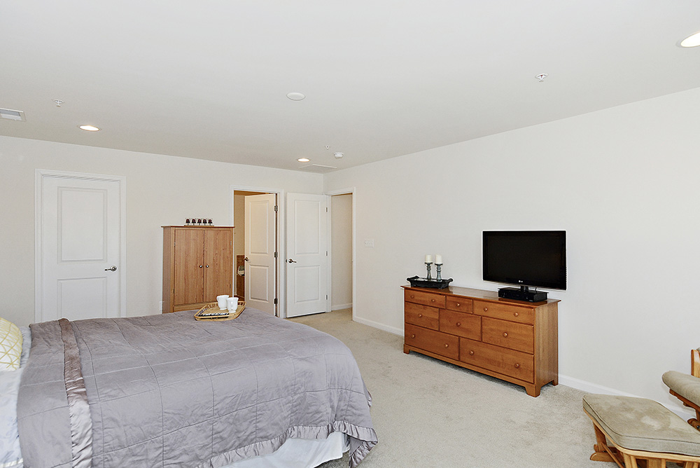 Print_Upper Level-Master Bedroom_3.jpg