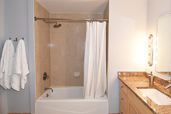 07  Bath 3.jpg