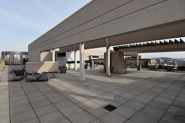 21  Roof 3.jpg