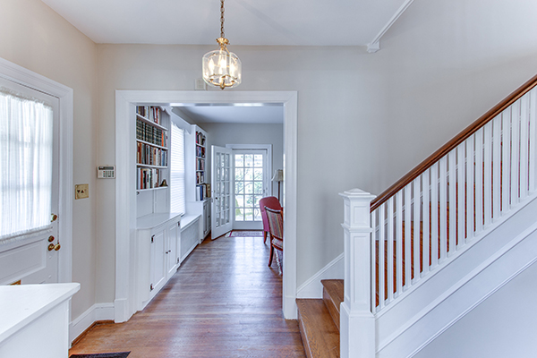 4307 38th St NW Washington DC-print-009-8-Entryway-4200x2800-300dpi.jpg