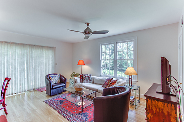 4307 38th St NW Washington DC-print-036-36-Living Room-4200x2800-300dpi.jpg