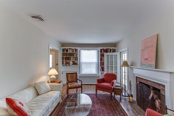 4307 38th St NW Washington DC-print-042-26-Family Room-4200x2800-300dpi.jpg