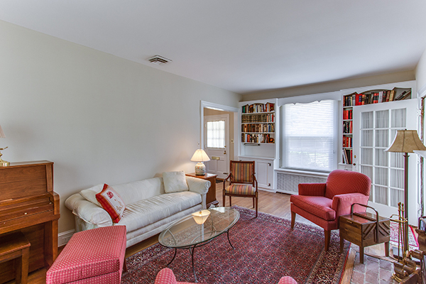 4307 38th St NW Washington DC-print-044-43-Family Room-4200x2800-300dpi.jpg