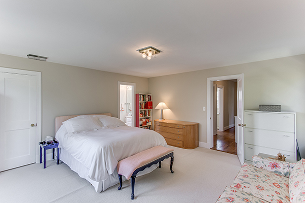 4307 38th St NW Washington DC-print-052-27-Master Bedroom-4200x2800-300dpi.jpg