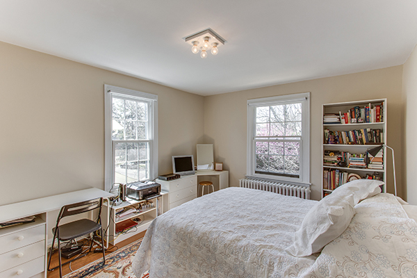 4307 38th St NW Washington DC-print-057-37-Bedroom 2-4200x2800-300dpi.jpg