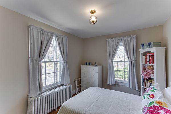 4307 38th St NW Washington DC-print-061-52-Bedroom 3-4200x2800-300dpi.jpg