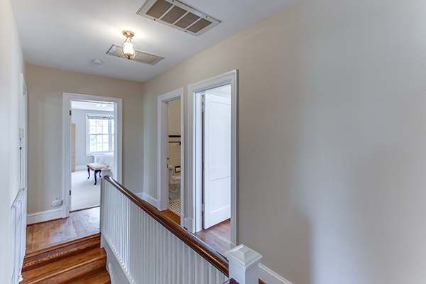 4307 38th St NW Washington DC-print-064-54-Upper Landing-4200x2800-300dpi.jpg