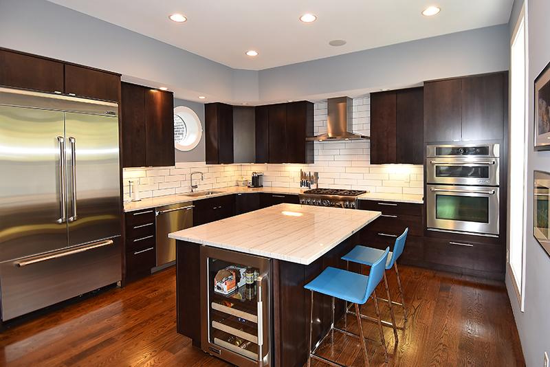 9 Kitchen1.jpg