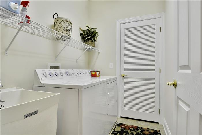 Web_Main Level-Washer Dryer.JPG