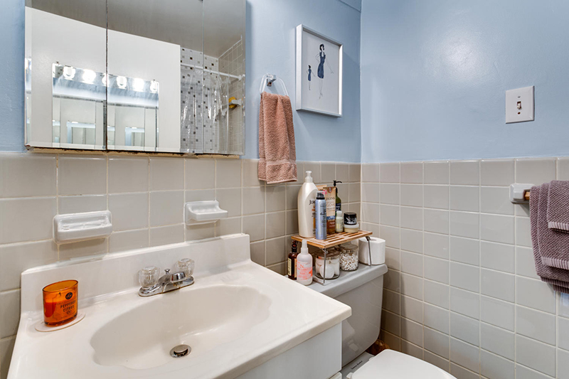 5406 Connecticut Ave NW 704-large-024-4-Bathroom-1500x1000-72dpi.jpg
