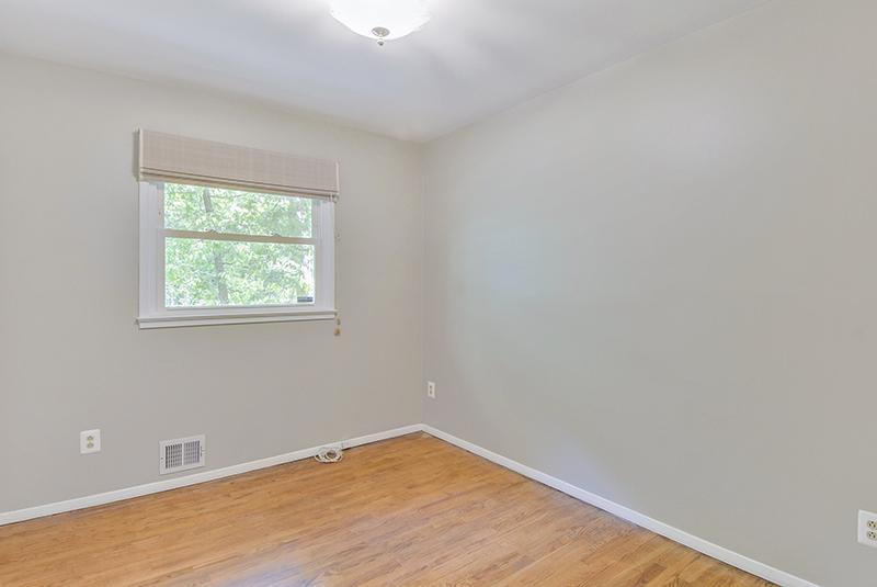 Main Level-Bedroom-DSC6063.jpg
