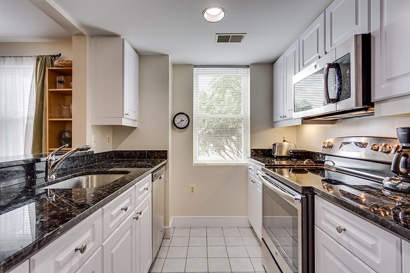 1727 R St NW Unit 504-print-013-41-Kitchen-4200x2800-300dpi.jpg