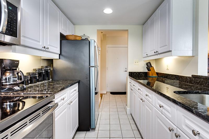 1727 R St NW Unit 504-print-017-24-Kitchen-4200x2800-300dpi.jpg