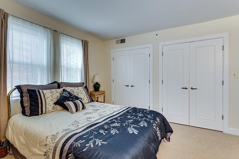 1727 R St NW Unit 504-print-022-26-Bedroom-4200x2800-300dpi.jpg