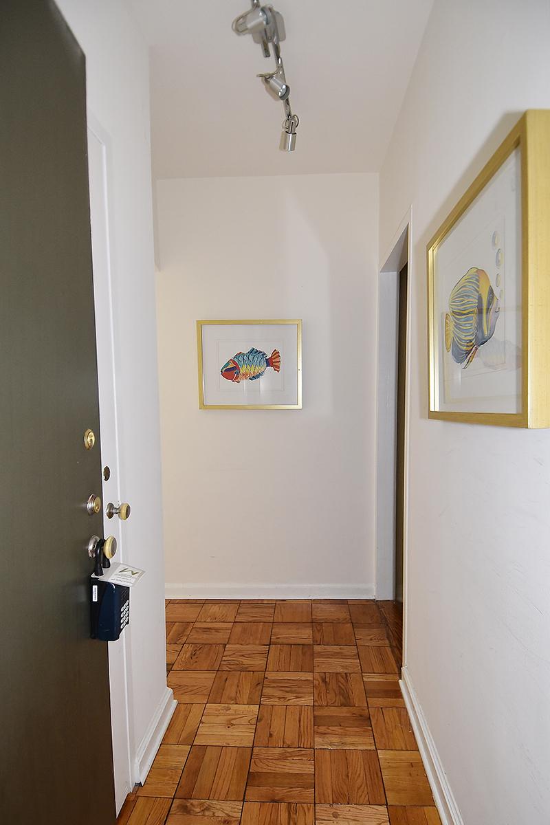 1 212 Foyer 1.jpg