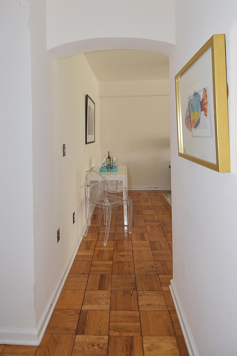 2 212 Foyer 2.jpg