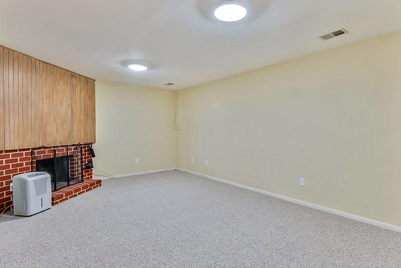 Lower Level-Recreation Room-_DSC1343.jpg