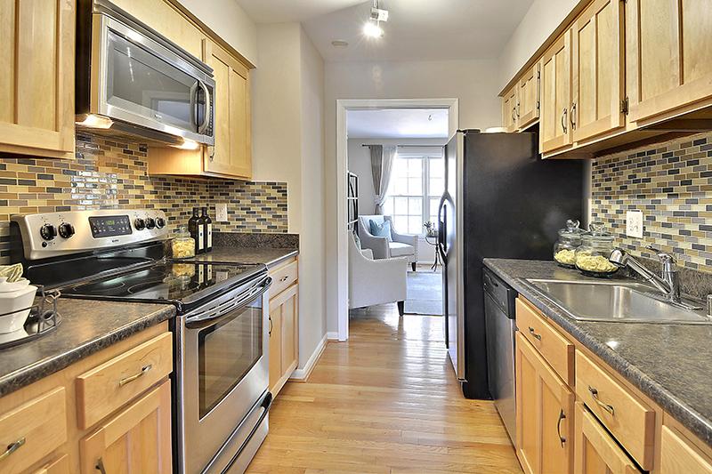 Main Level-Kitchen-_DSC1298.jpg