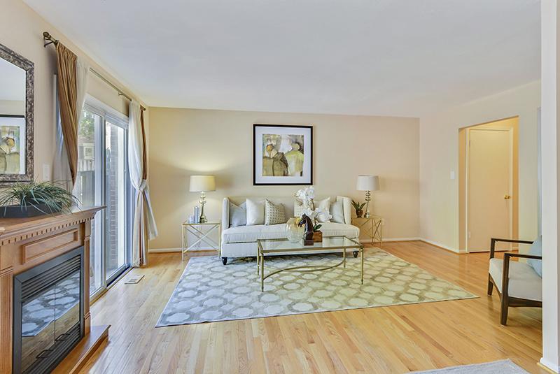 Main Level-Living Room-_DSC1313.jpg
