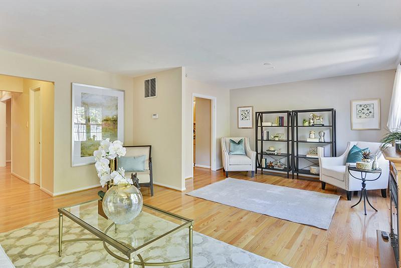 Main Level-Living Room-_DSC1316.jpg