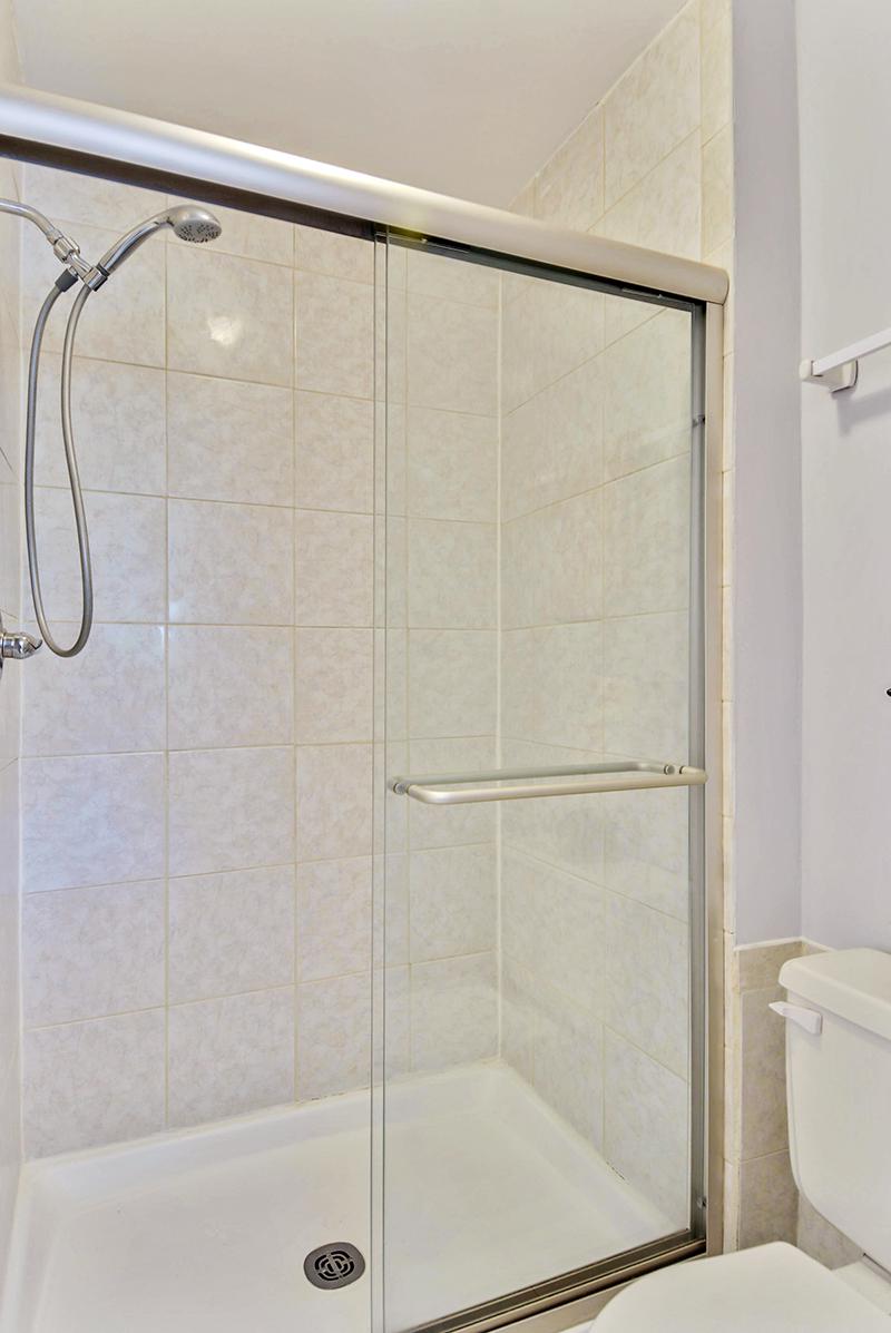 Upper Level-Master Bath-_DSC1373.jpg