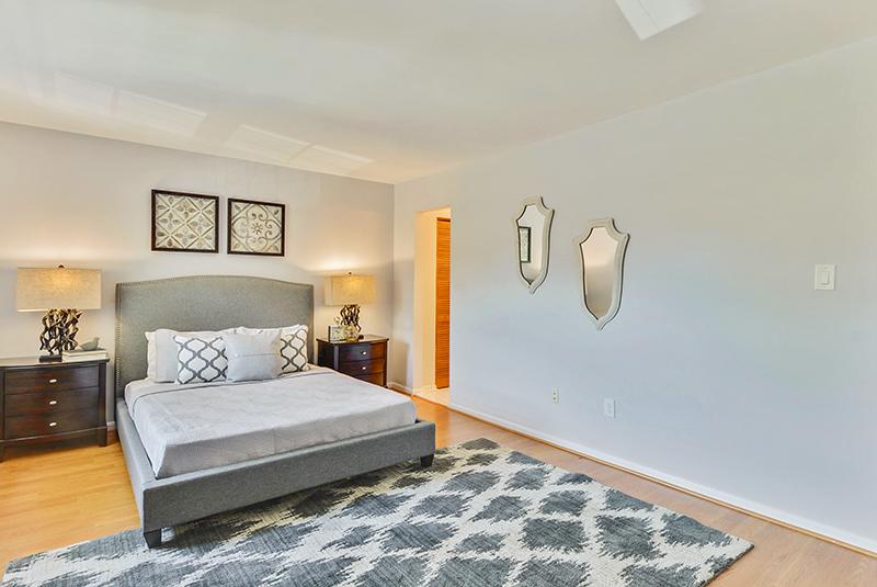 Upper Level-Master Bedroom-_DSC1361.jpg