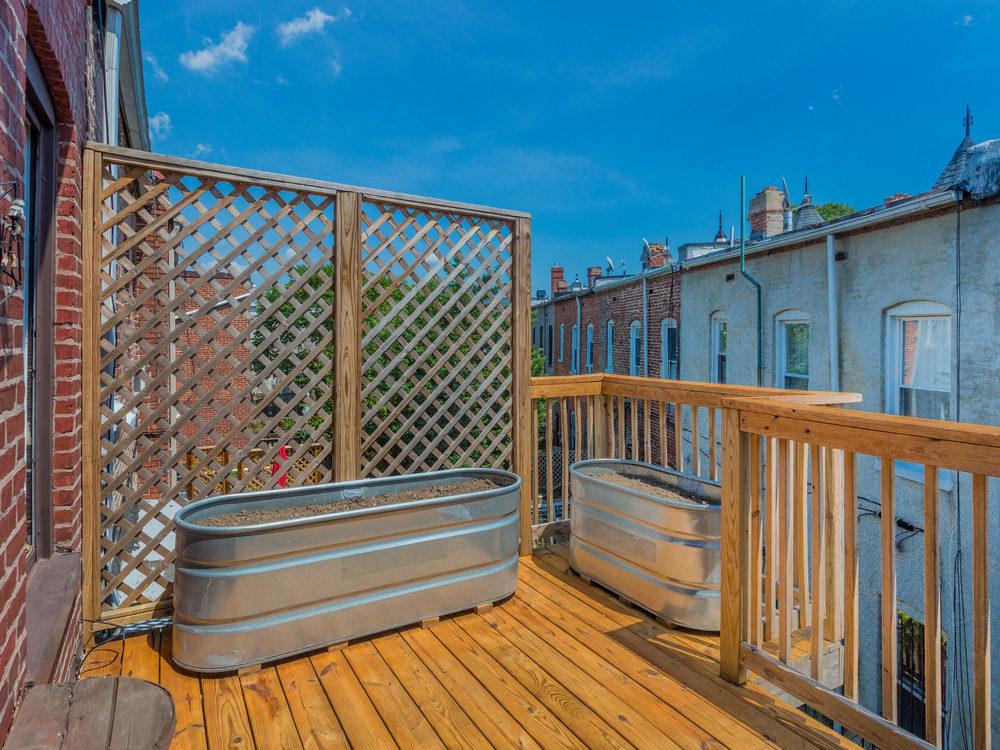 132 Rhode Island Ave NW-MLS_Size-045-43-Deck-2048x1536-72dpi.jpg