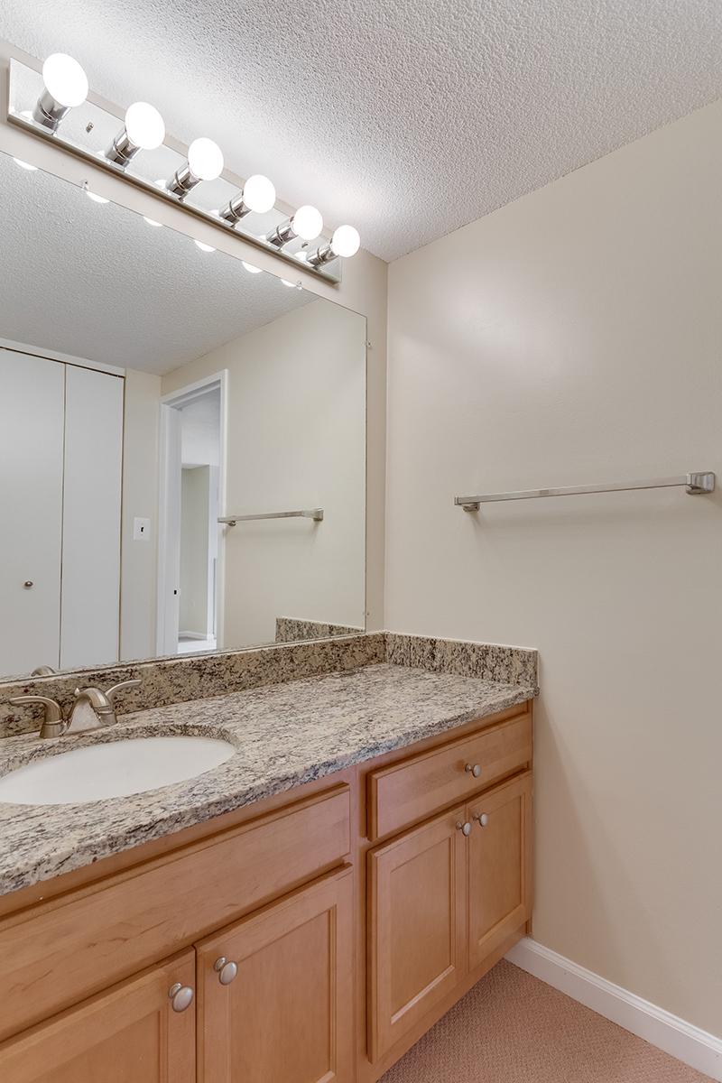 1718 P St NW 509 Washington DC-print-034-25-Bathroom-2800x4200-300dpi.jpg