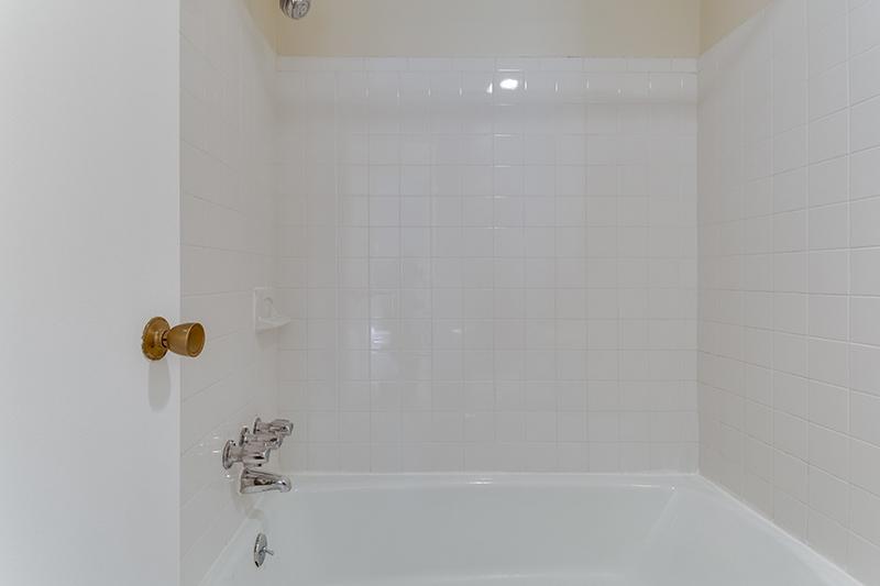 1718 P St NW 509 Washington DC-print-036-38-Bathroom-4200x2800-300dpi.jpg