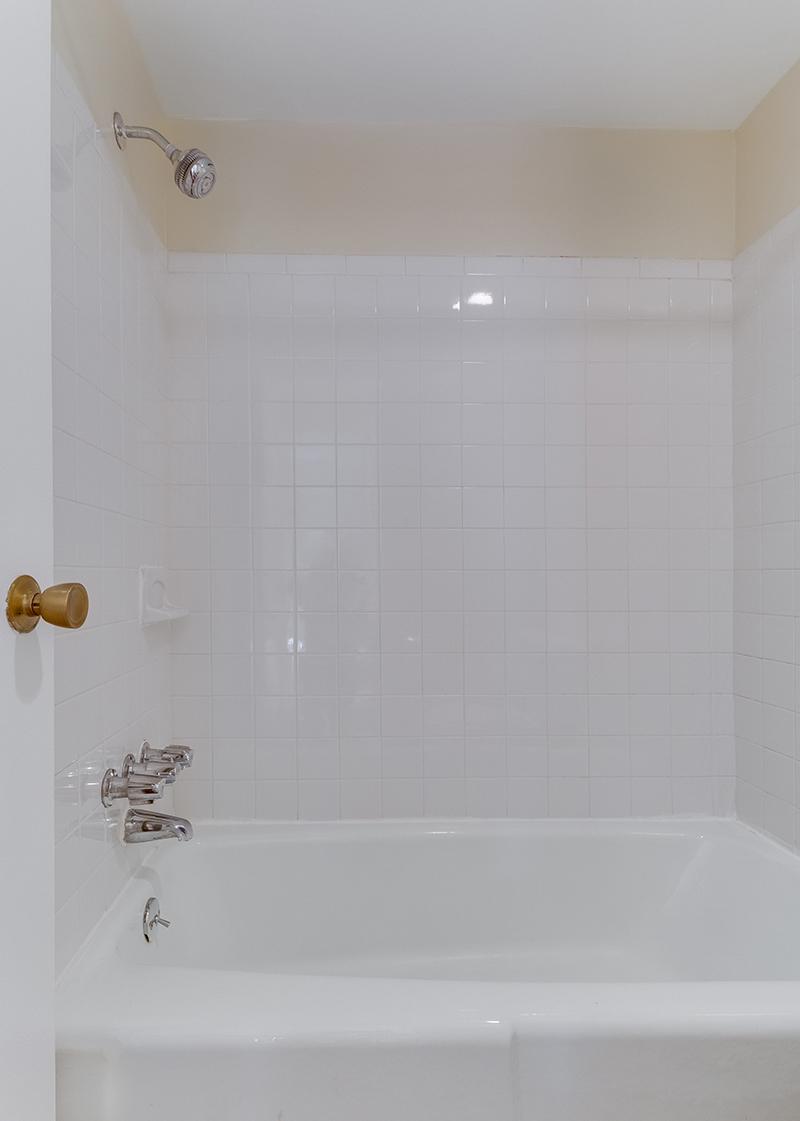 1718 P St NW 509 Washington DC-print-037-26-Bathroom-2996x4200-300dpi.jpg
