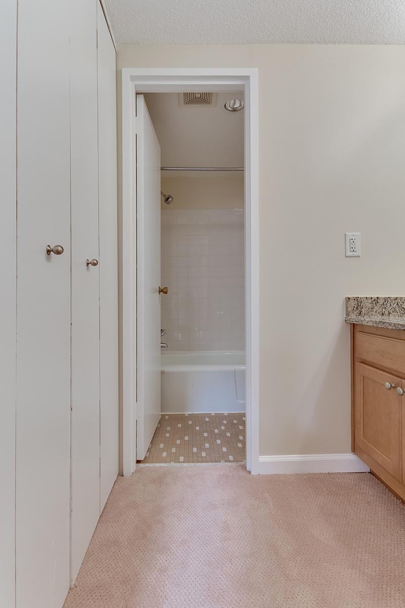 1718 P St NW 509 Washington DC-print-039-37-Bathroom-2801x4200-300dpi.jpg