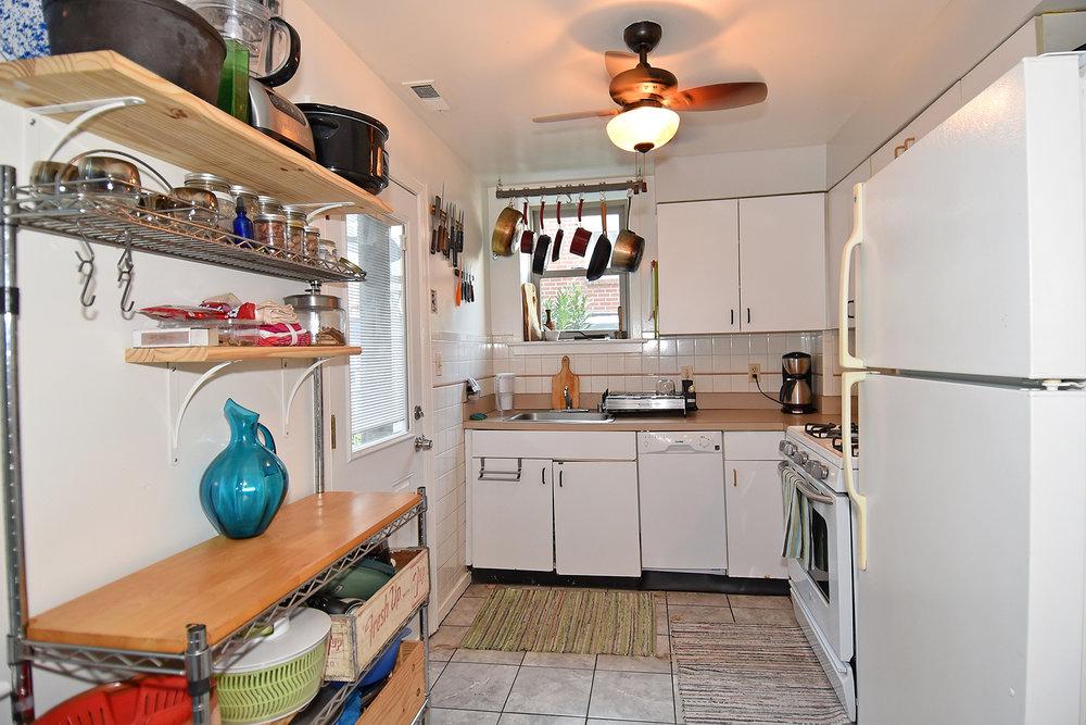 7 Kitchen A.JPG
