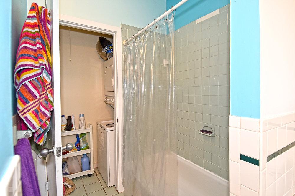 14 Bath B.JPG