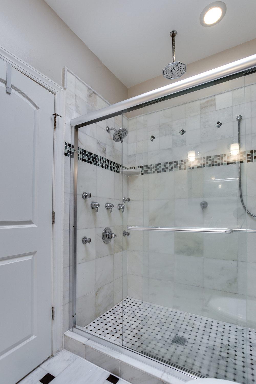 2711 North Capitol St NE-print-031-12-Master Bath-2800x4200-300dpi.jpg
