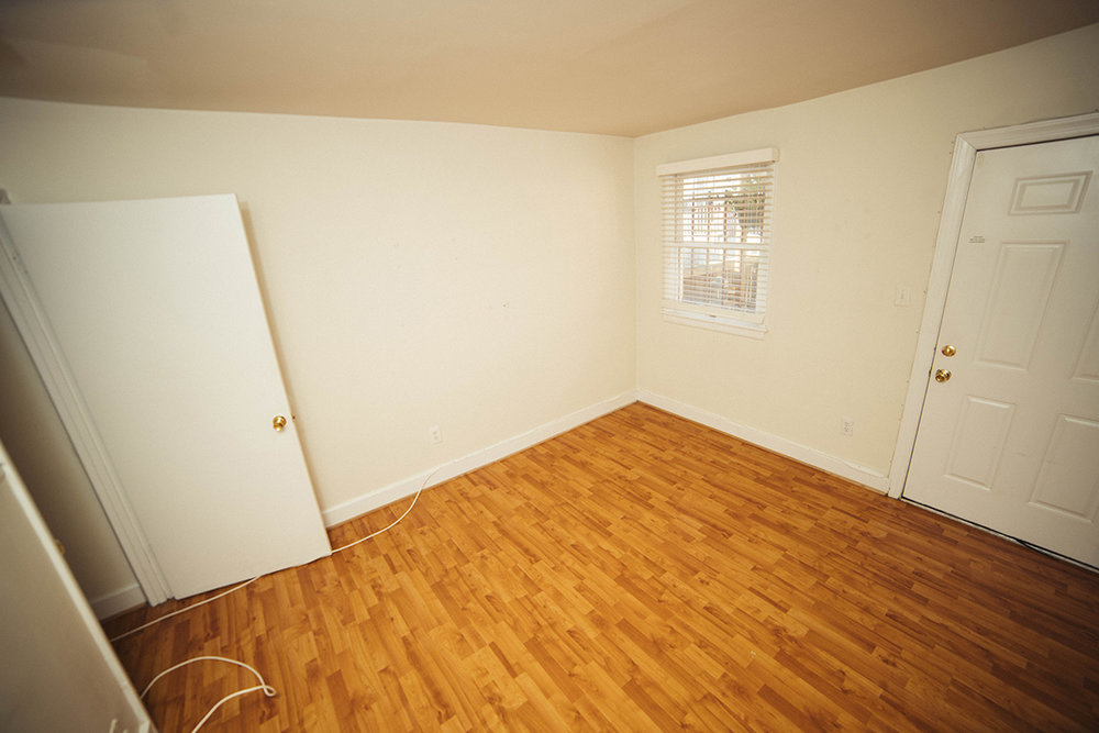 8  1115 S lower bed rear.JPG