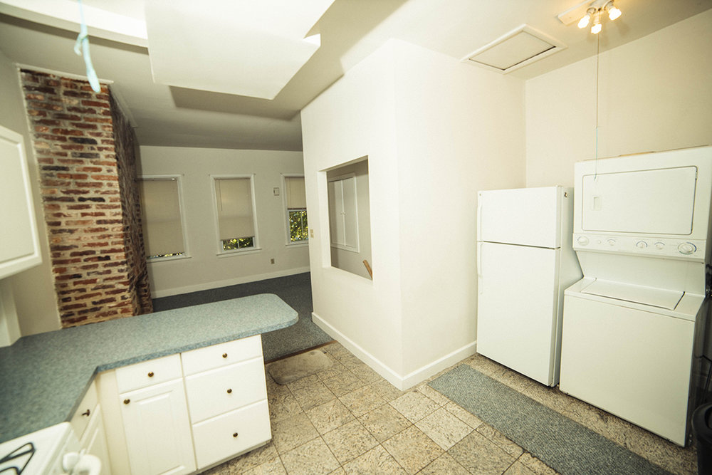 14  1115 S upper kitchen.JPG