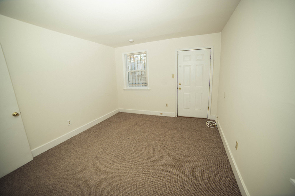 17  1115 S upper bed rear.JPG