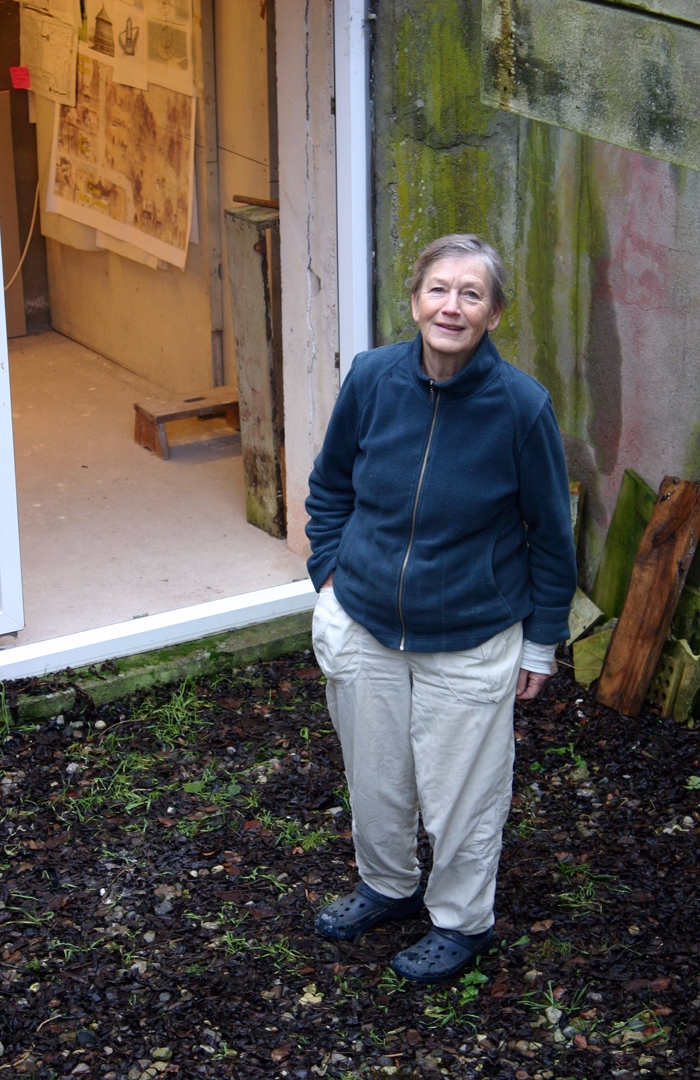 135: In Tribute: Nina Hole on her monolithic wood fired sculptures